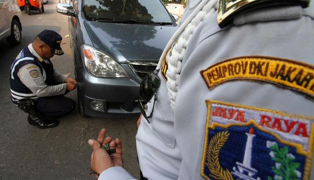 parkir 2 Surabaya Klaim Pionir Cabut Pentil Parkir Liar